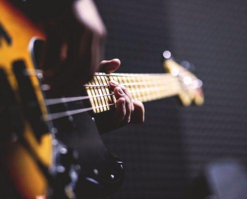 Et billede af live musik. Lej en DJ eller underholdning hos LT Event